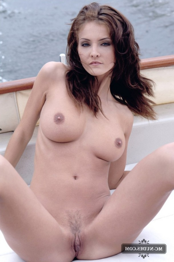 Ivette invites you to a fast ride on her boat.