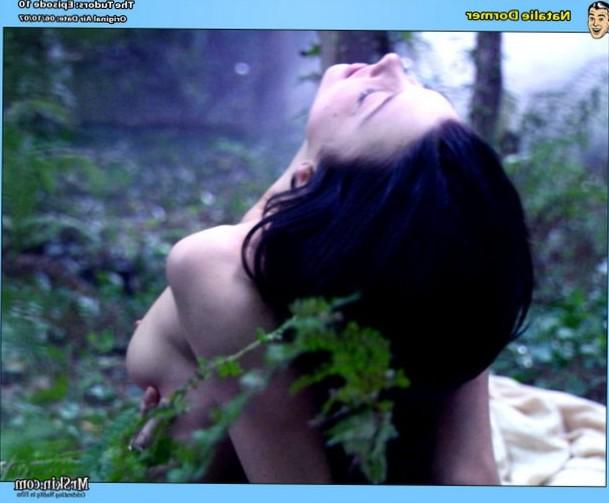 Natalie Dormer shows her tits outside