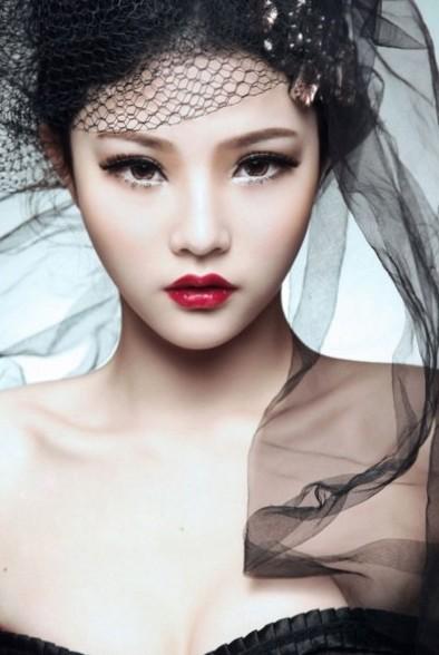 Beutiful asian woman, so perfect