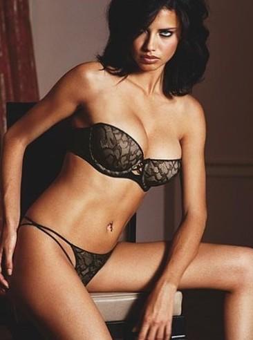 Adriana Lima sexy lingerie photo